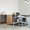 Im Arbeitsbereich werden Bodenbeläge besonders belastet. Wir beraten und betreuen Sie bei Ihrem Büroprojekt.