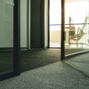Die neuesten Entwicklungen machen es möglich, dass man die Vorteile eines Teppichbodens auch im stark beanspruchten geschäftlichen Bereich nutzen kann.
